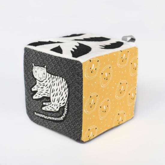 Pamut foglalkoztató kocka a dzsungel állataival