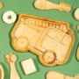 Kép 2/4 - Sass and Belle bambusz gyerek tányér- Tűzoltóautó